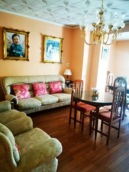 Bonito piso a buen precio en Santa Rosa. - comedor1