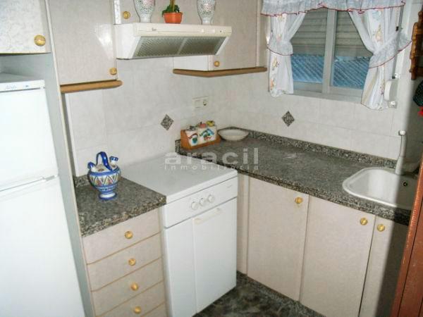 A la venta piso a buen precio en Santa Rosa. - cocina