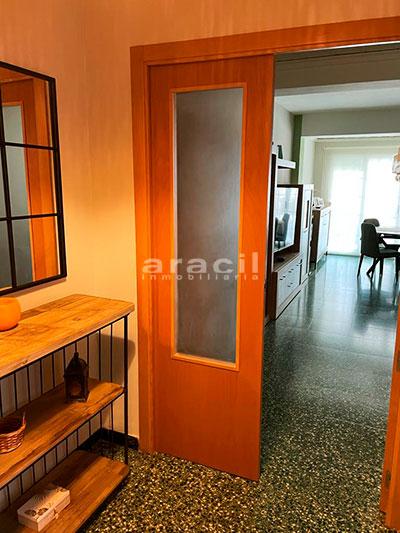 Bonito piso moderno reformado a la venta en Santa Rosa. - pasillo