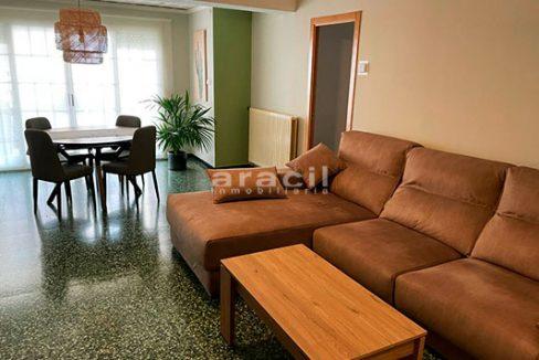 Bonito piso moderno reformado a la venta en Santa Rosa. - comedor1