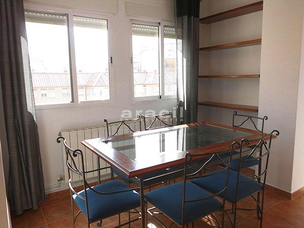 Bonito piso en perfecto estado a la venta en Alcoy. - comedor1