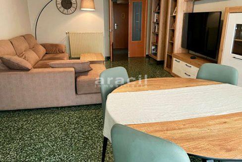 Bonito piso moderno reformado a la venta en Santa Rosa. - comedor3