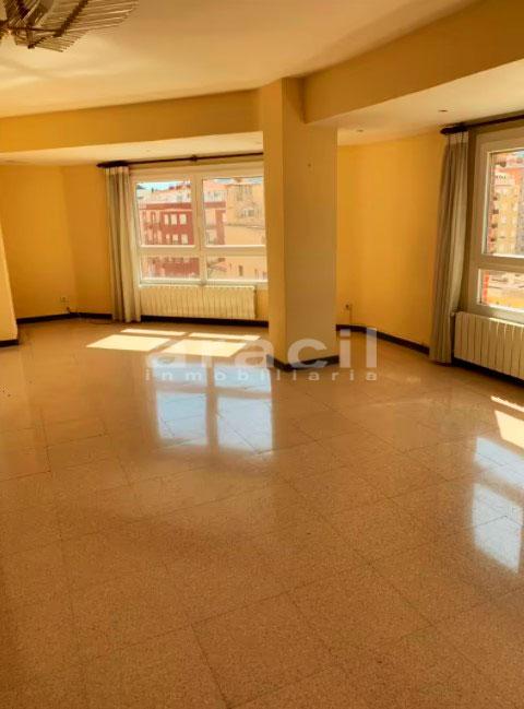 Amplio piso a la venta en Santa Rosa. - habitacion5